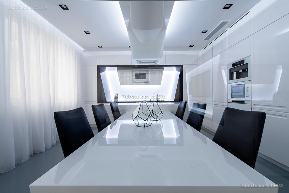 未来感的黑白餐厅设计
