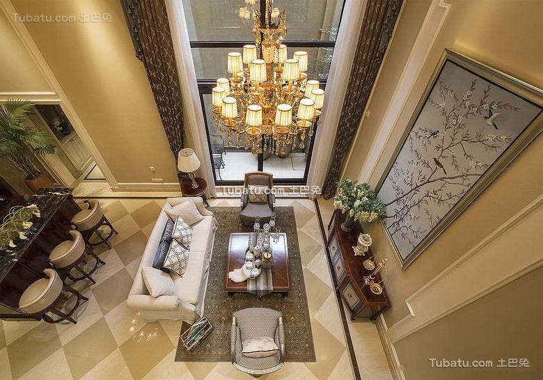 高端豪华欧式挑高客厅设计