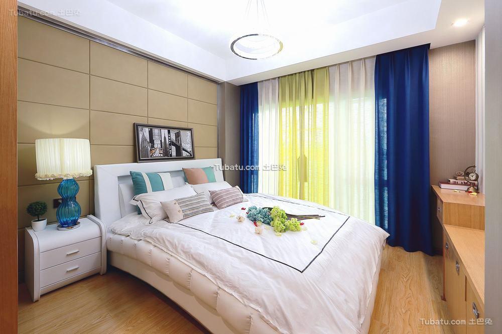 美式奢华温馨卧室窗帘效果图