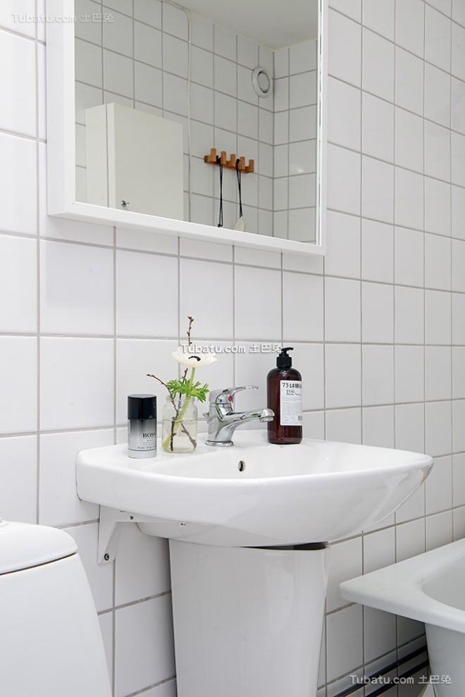 白色北欧风格卫生间洗手台设计