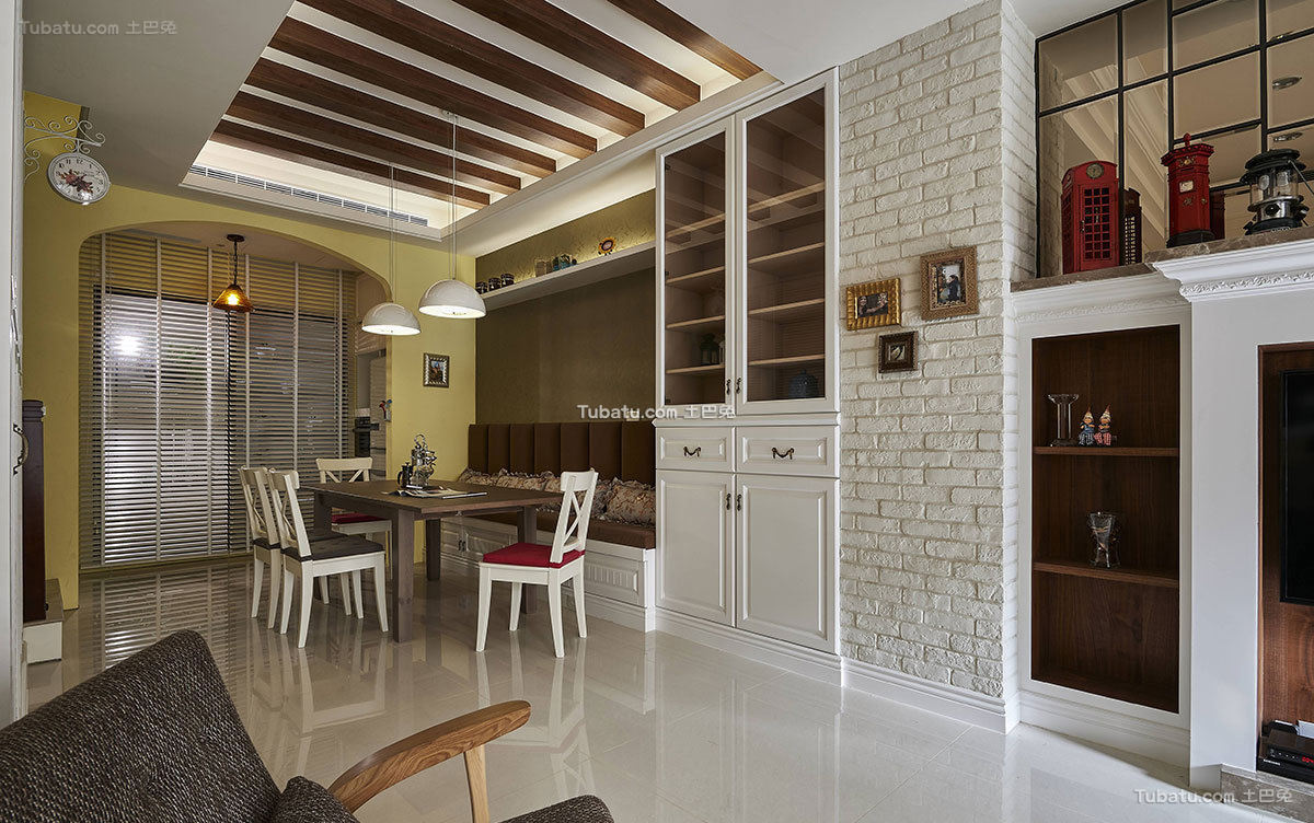 乡村美式别墅室内餐厅设计效果图