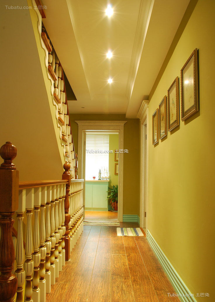 美式别墅室内过道室内效果图片