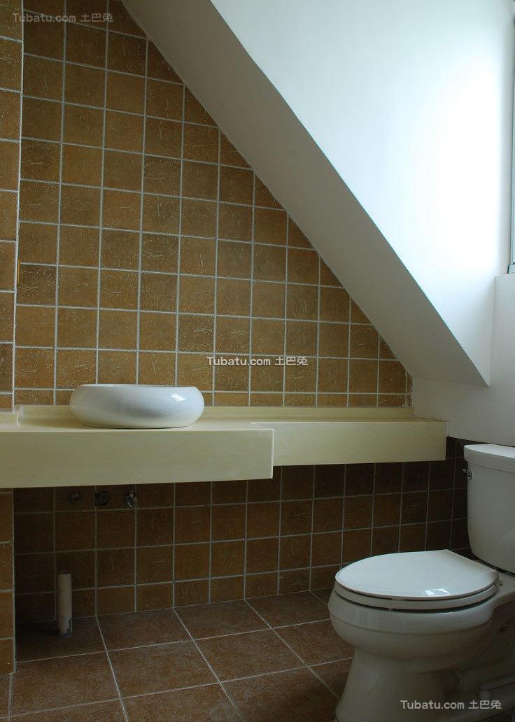北美现代别墅卫生间室内效果图片