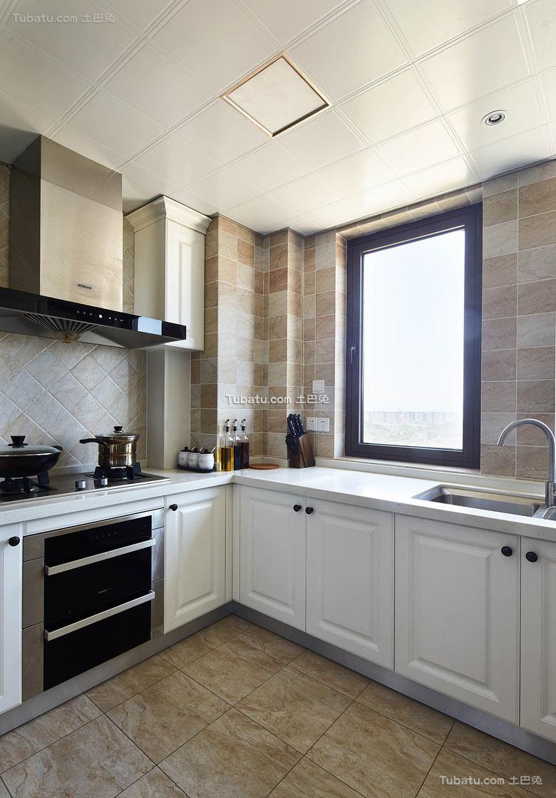 美式风格简约厨房装修室内效果图