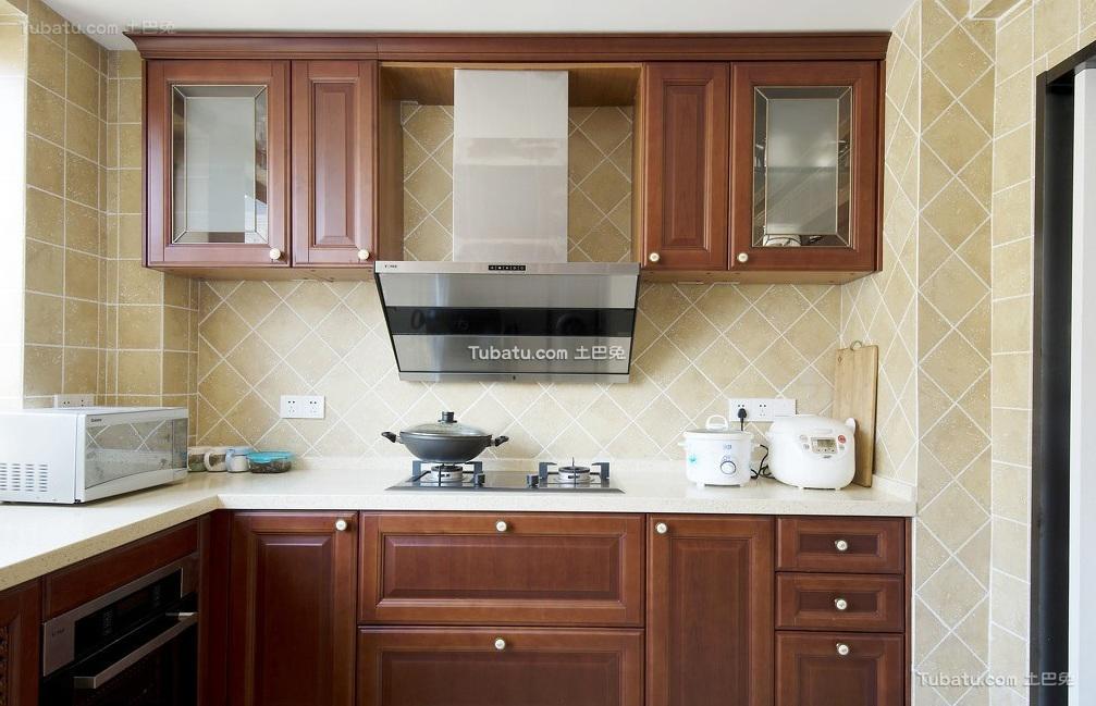 美式厨房实木装饰设计效果图