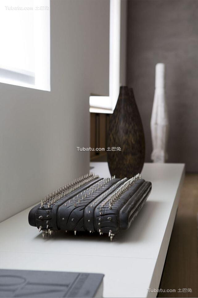 简约设计公寓室内装饰品图片