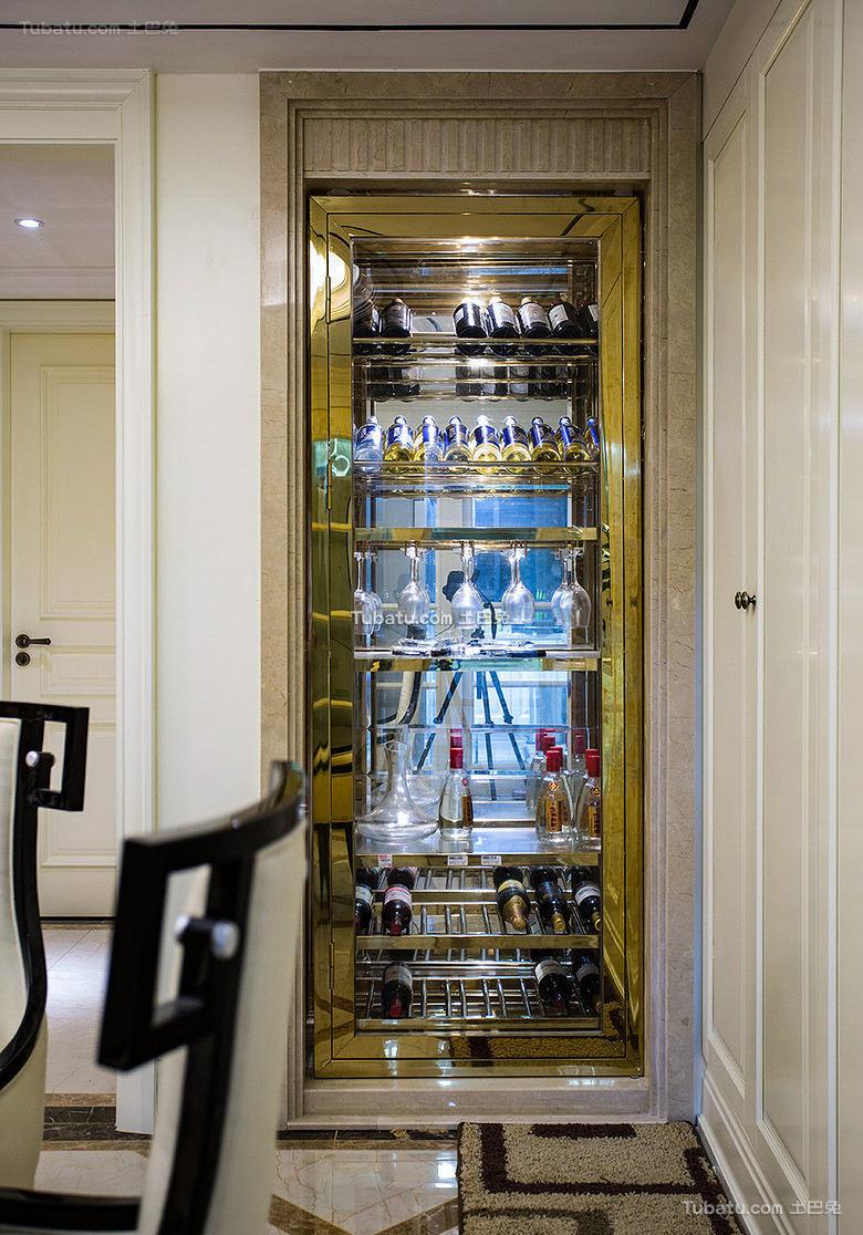 欧式现代家居玻璃酒柜设计效果图
