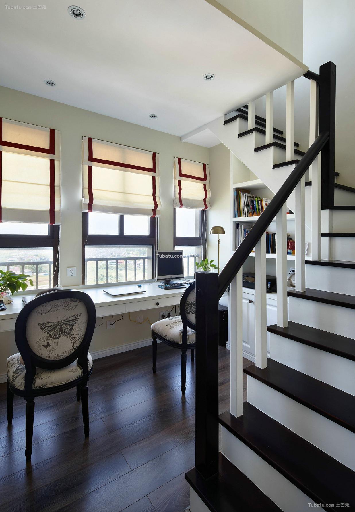 美式复式室内楼梯装饰效果图