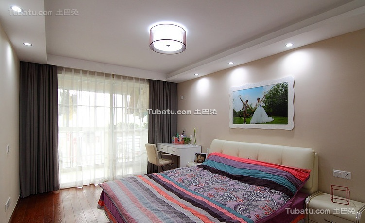 简约现代小户型室内卧室装修效果图