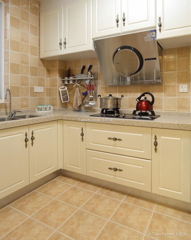 美式简约厨房装修设计效果图