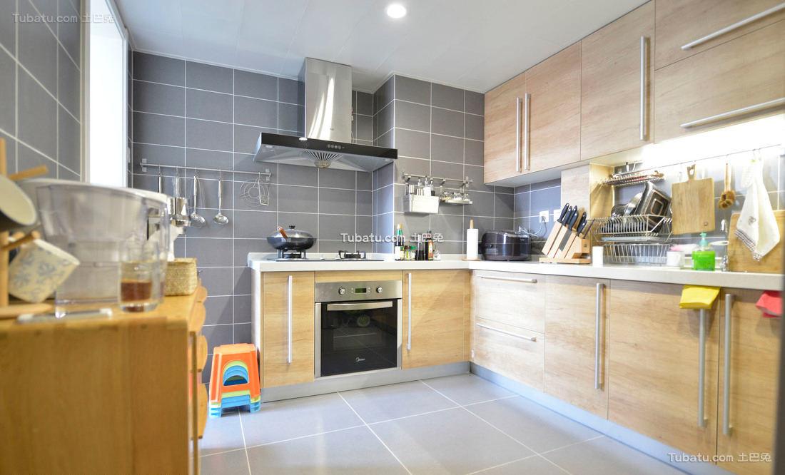 简约风格厨房室内设计效果图