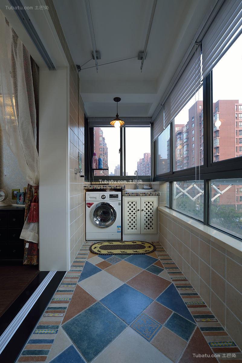 现代风格阳台设计装修效果图