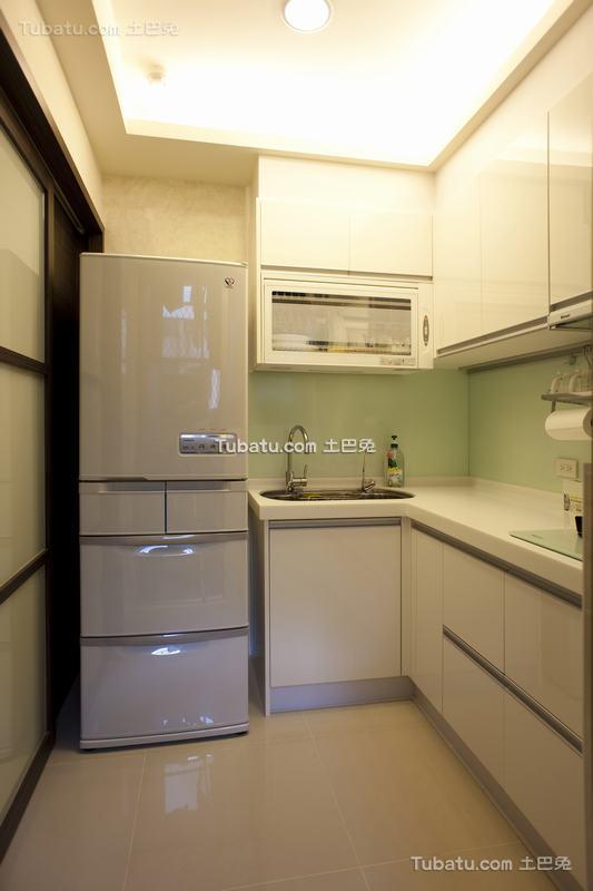 日式现代厨房装修效果图欣赏