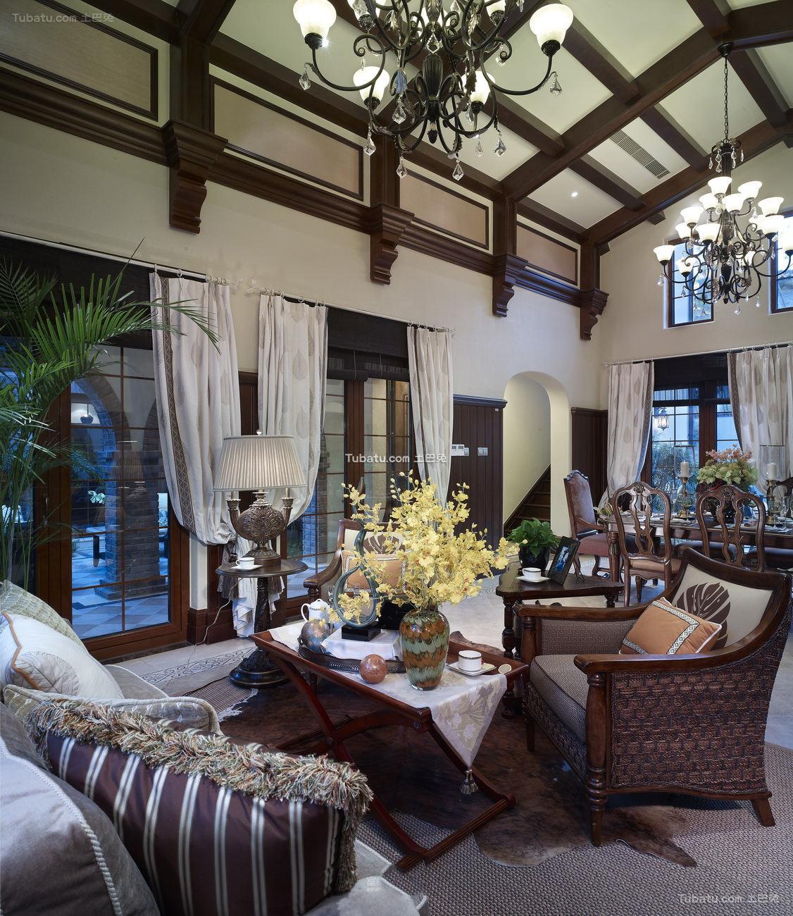 美式家居客厅吊顶效果图