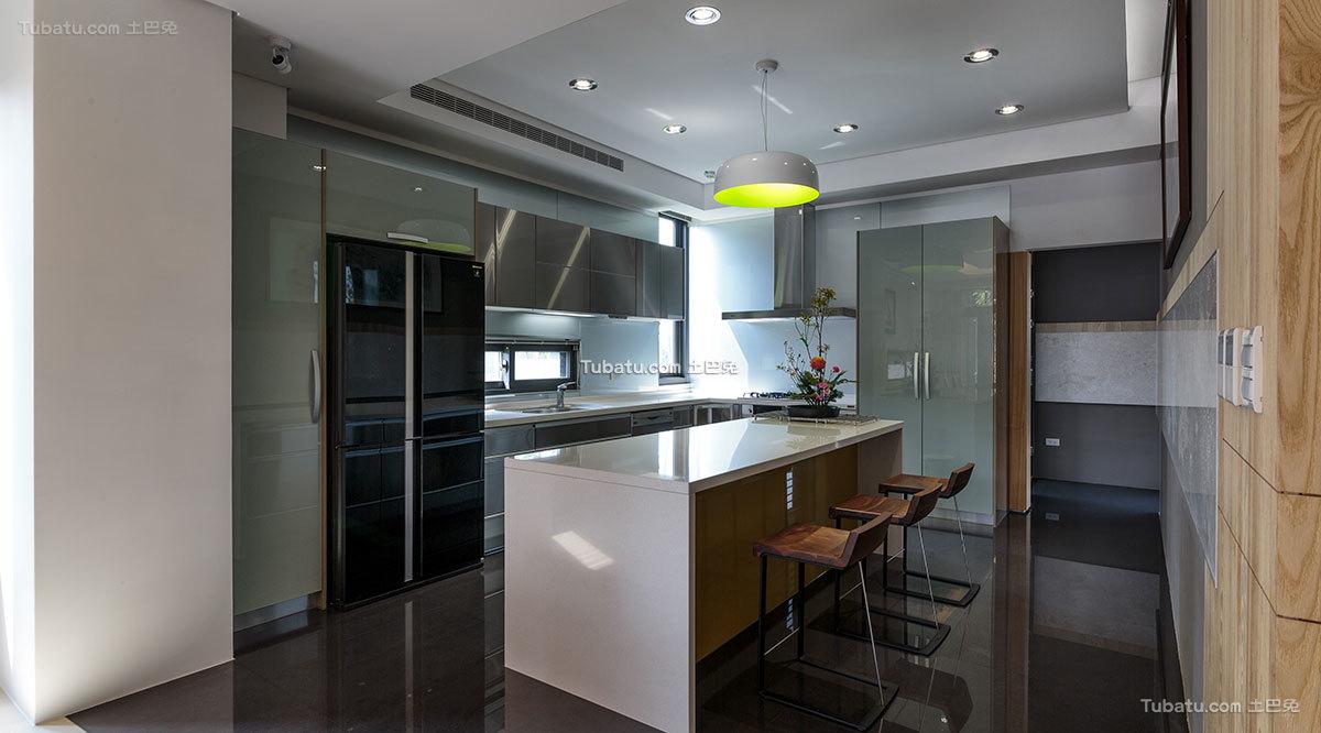 现代风格别墅开放式厨房设计图片