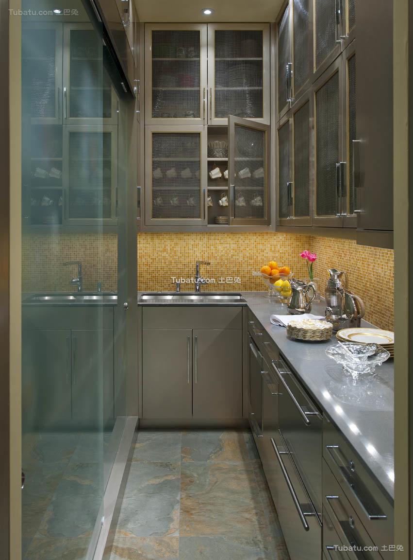 美式室内厨房不锈钢设计效果图
