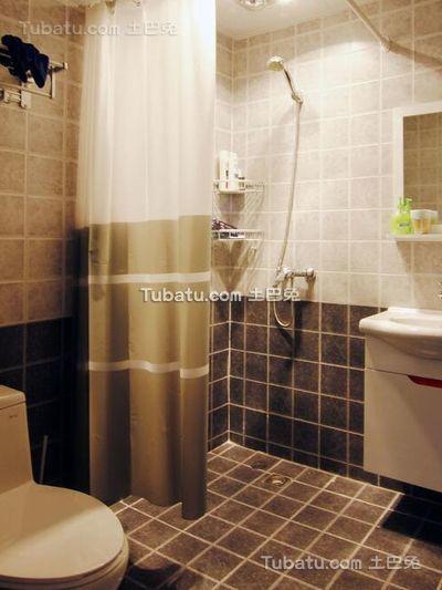 简约温馨小户型室内卫生间设计效果图