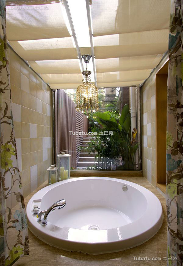 东南亚设计浴池装饰