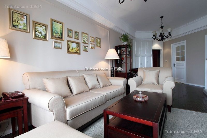 美式乡村风格沙发相片墙设计装修图片