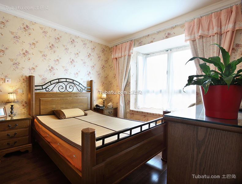 家装美式卧室窗帘欣赏