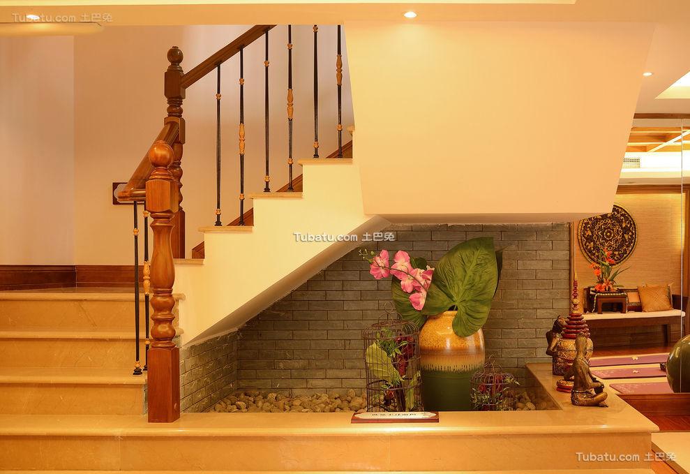东南亚风格设计楼梯装饰效果图