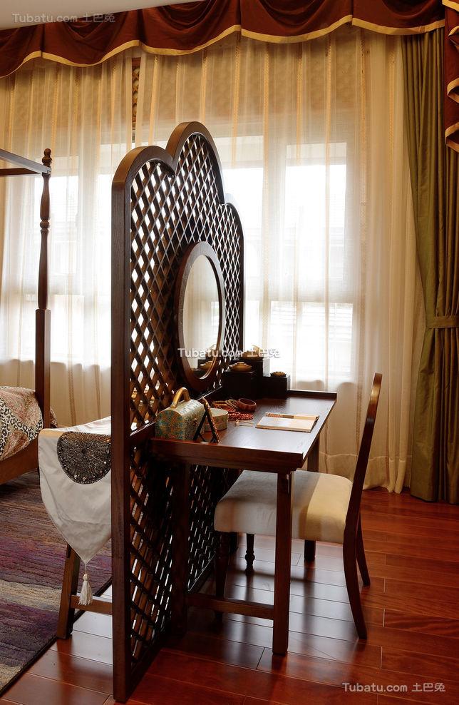 东南亚风格设计梳妆台装饰图片