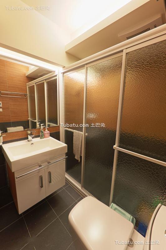 日式现代卫生间设计装修图片