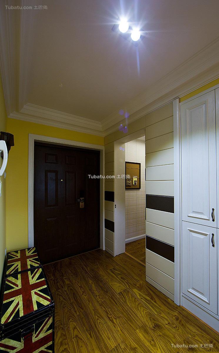 美式家装进门玄关效果图