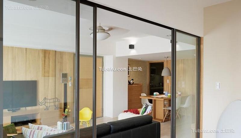 北欧风格公寓玻璃推拉门效果图