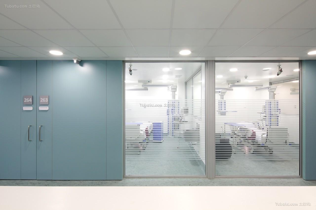 医院设计玻璃门装饰设计效果图