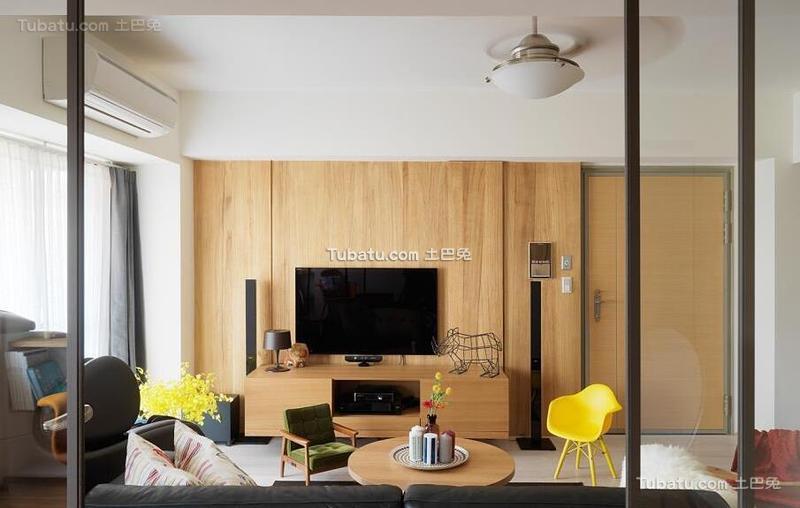 北欧风格公寓实木电视墙效果图