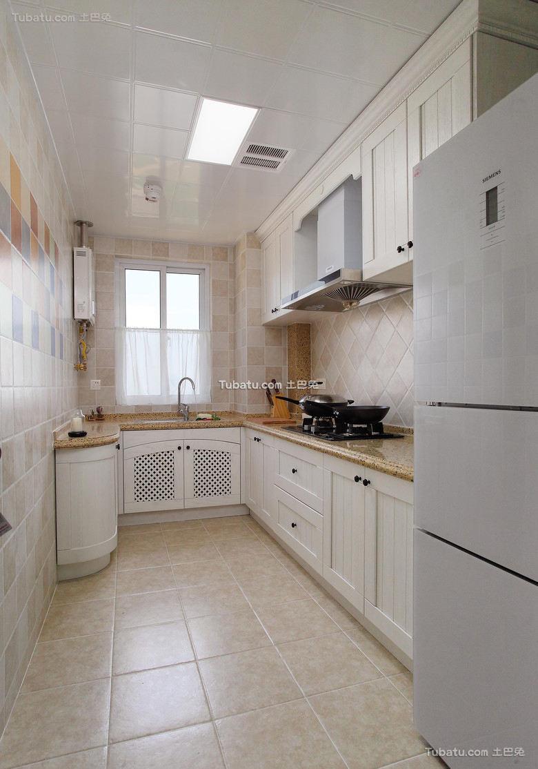 美式清新家居厨房装修设计效果图