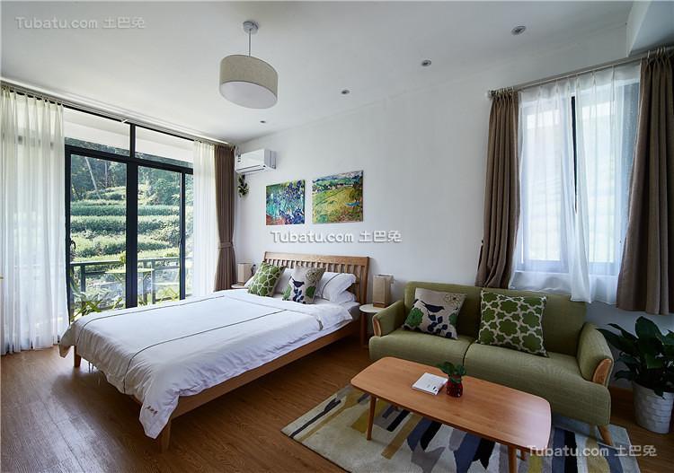 清新北欧风格主卧室设计