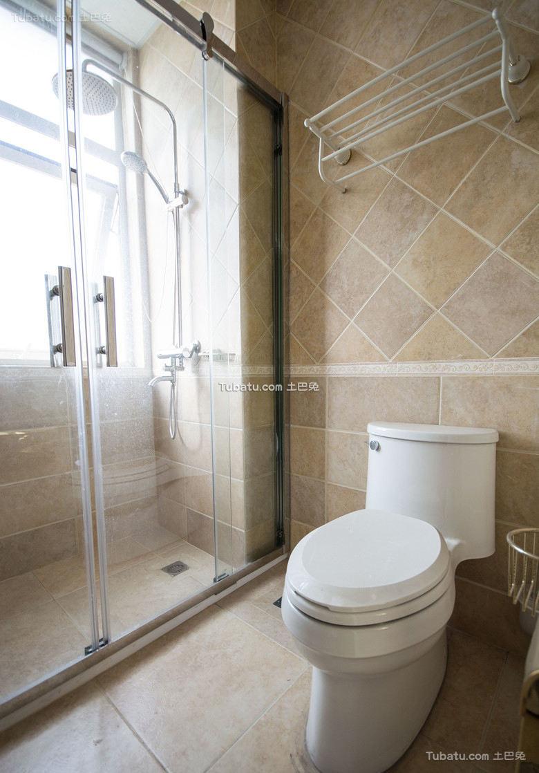 现代简约卫生间设计室内图片