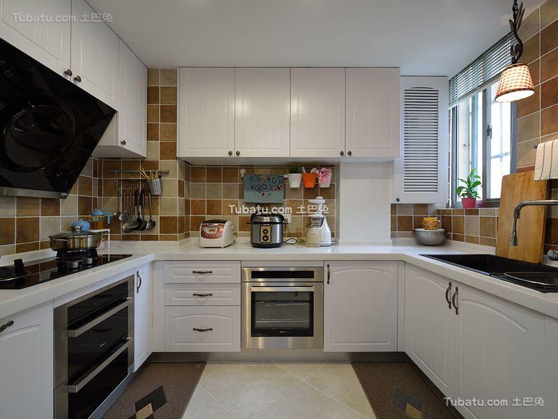 美式风格简约厨房设计装修效果图