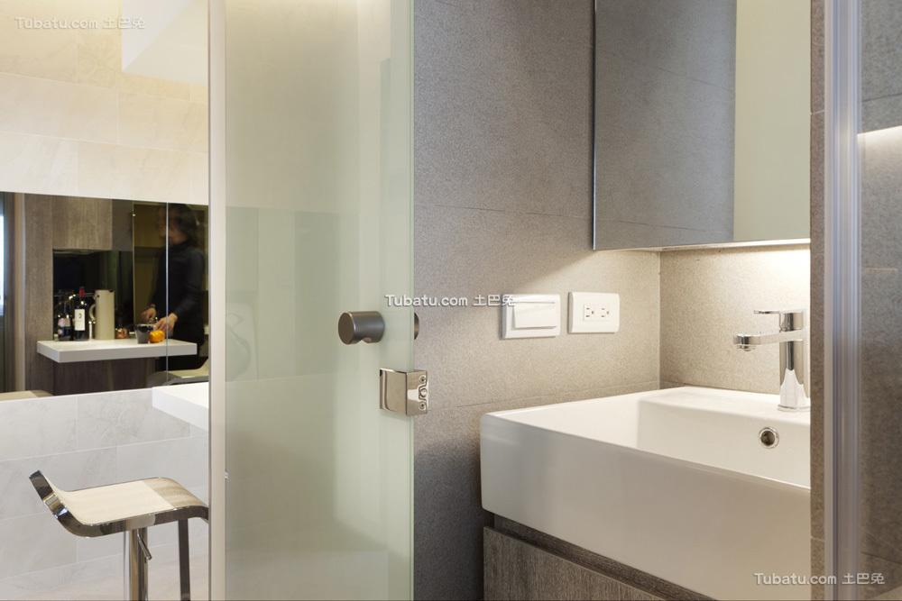 简约酒店式公寓卫生间设计