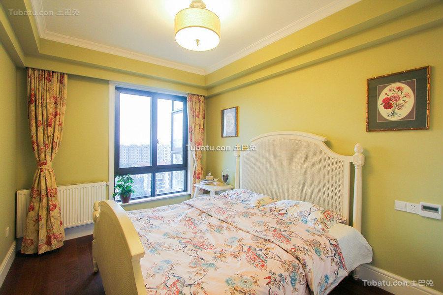明黄色美式卧室美图