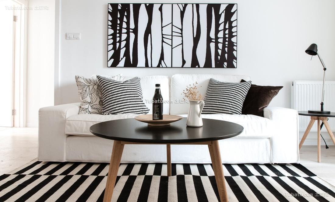 时尚黑白北欧客厅装饰欣赏