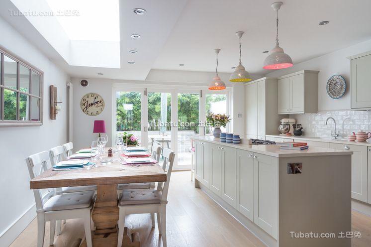 简约温馨公寓厨房设计效果图
