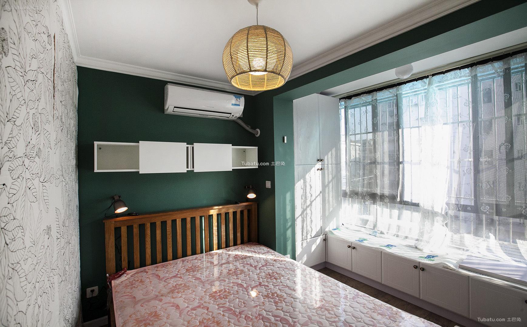 美式卧室房间设计装修效果图