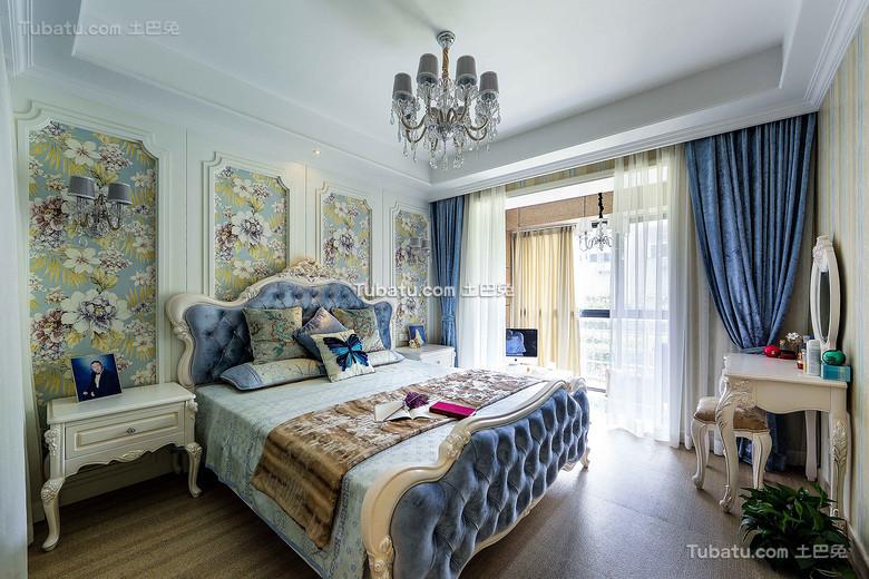 蓝色精美欧式卧室布置