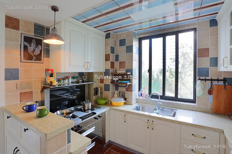 现代马赛克瓷砖厨房设计
