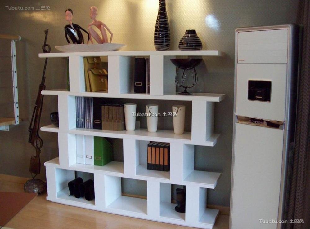 现代复式设计室内置物架图片