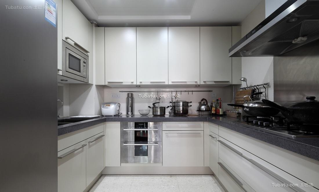 现代简约U型厨房