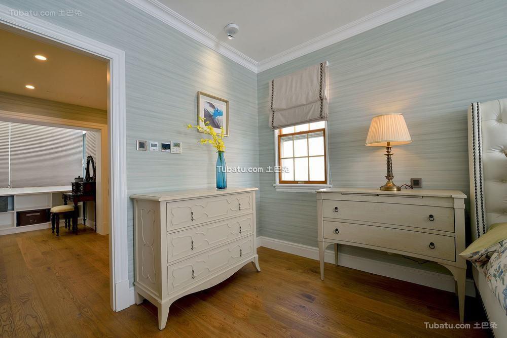 美式时尚复古卧室柜子装修效果图
