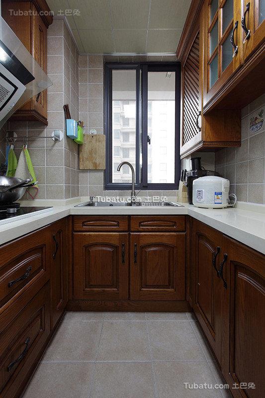 中式U型小厨房设计