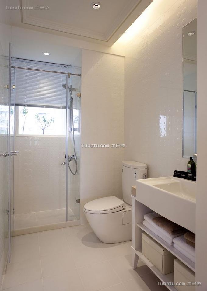 纯白时尚现代卫生间设计装修图片