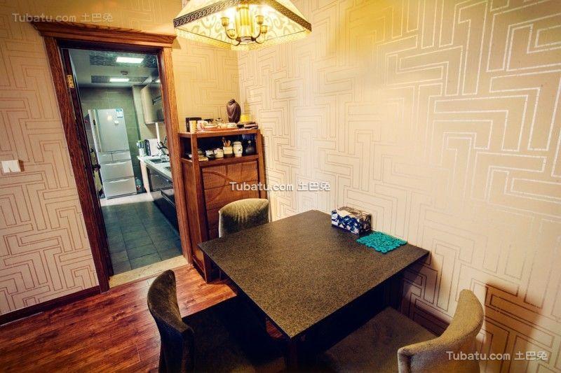 现代家庭餐厅设计装修效果图片