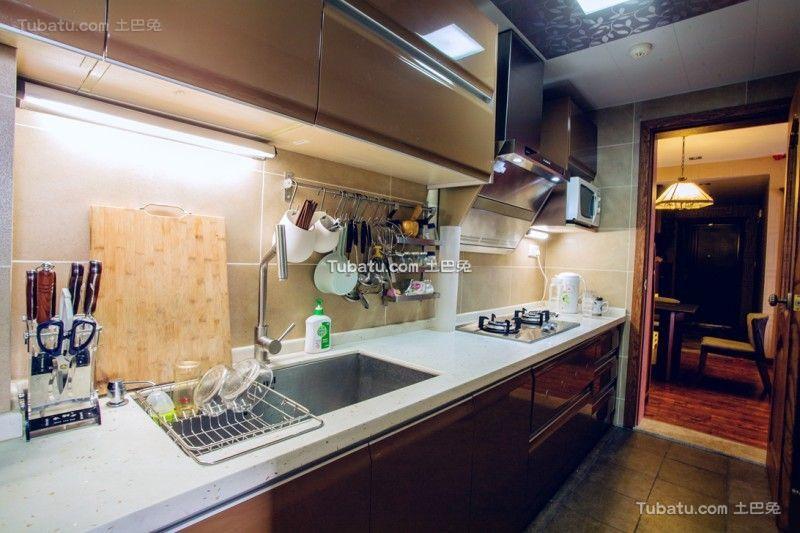 现代家庭厨房设计装修效果图片