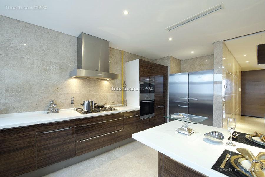 现代豪华高端家装厨房欣赏
